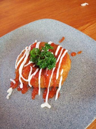 Klungkung, Indonesien: Mie donut Mie berbentuk donat yg digoreng mbuat sensasi garing diluar legit di dalam