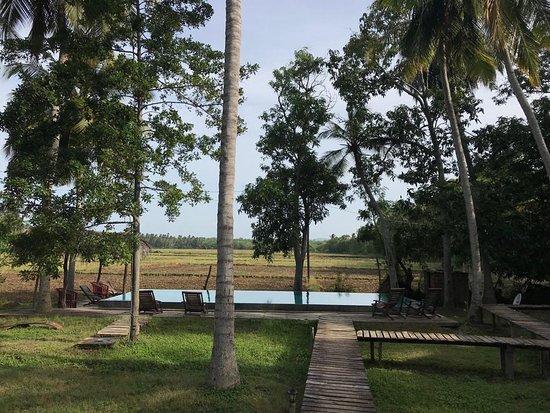 Yodakandiya, Sri Lanka: The nicest way to reach the p