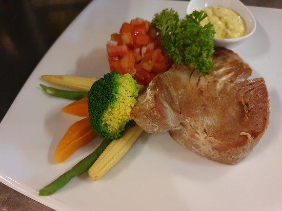 Sala Thai Art Gallery & Restaurant: Tuna steak