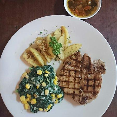 Kerobokan Kelod, Indonézia: Tuna steak