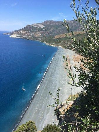 La Sassa: Vue sur la plage de Nonza