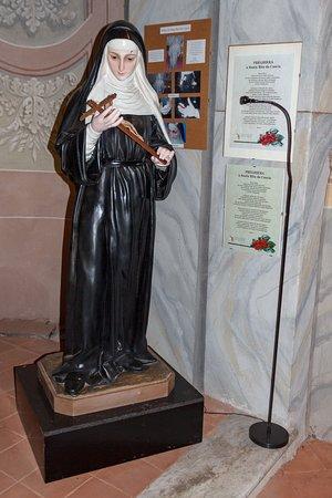 Beeld van de Heilige Rita