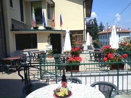 Hotel Ristorante Vittoria: terrazza