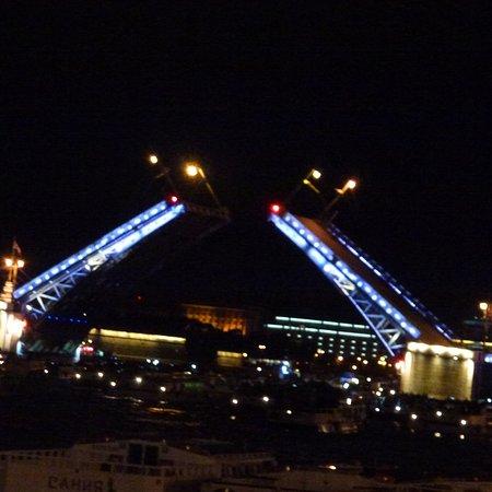 stage4russia: Brücken bei Nacht.