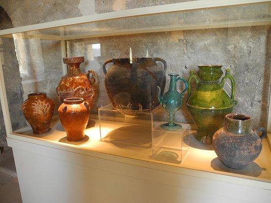 Keramikutensilien aus der historischen Zeit