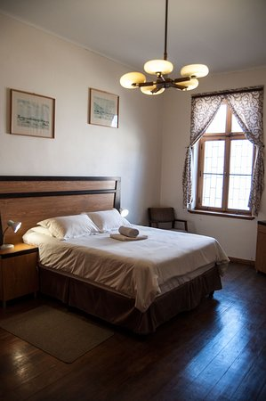 Here you can see the double bedroom of our Lampe Apartment