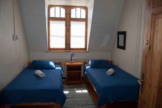 Our Oberdeck Apartment has in total 4 twin bedrooms, enough space for a larger family or friends group