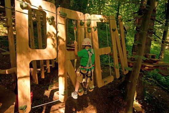 ab 3 Jahren können Kinder in unseren Parcours klettern