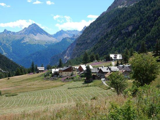 Le case intorno ai due Rifugi in Valle Sretta