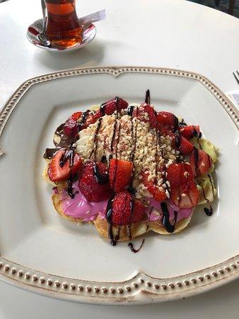 Incir Waffle: Sunum ve servisler güzel ben beğendim herkesinde beğeneceği güzel bir mekan