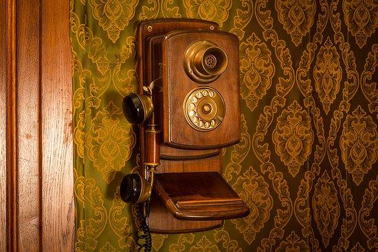 telefono studio Houdini