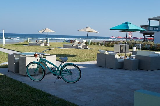 New Smyrna Beach, FL: Our Ocean Front Patio