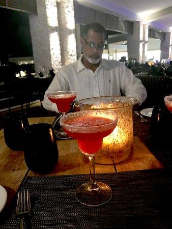 Royalton Antigua Resort & Spa: Dinner and Drinks