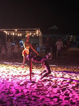 Royalton Antigua Resort & Spa: Beach Party w/ Entertainment!!!