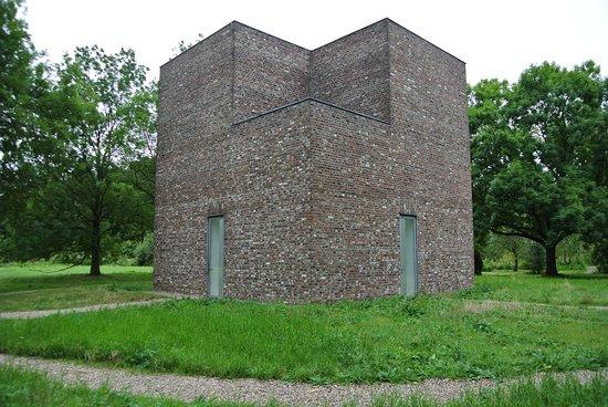 Skip the Line: Museum Insel Hombroich Entrance Ticket: Pavillon