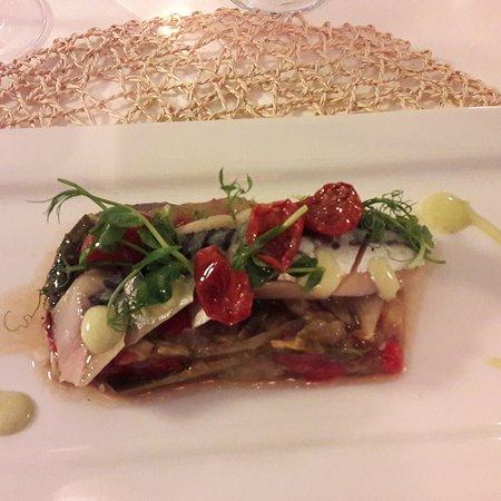 La Cantinetta Ibiza: Involtino di Pesce Crudo con Pomodori Secchi