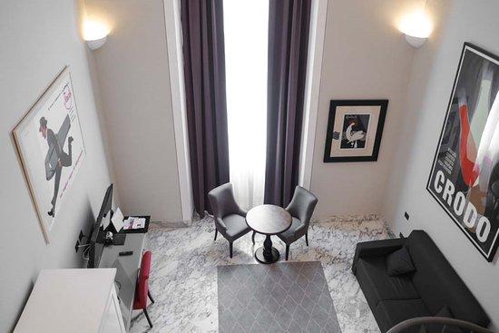 Hotel De Ville, Hotels in Genua