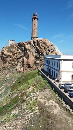 Faro, centro de interpretación y aparcamiento