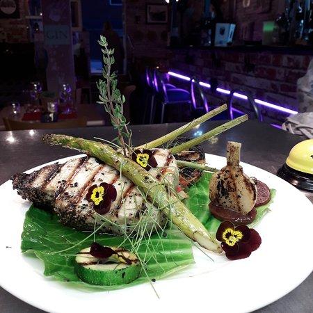 Charcoal grilled tuna steak