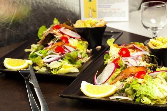 Grande salade saumon frais
