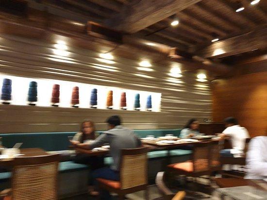 Burma Burma Restaurant & Tea Room: ambiance