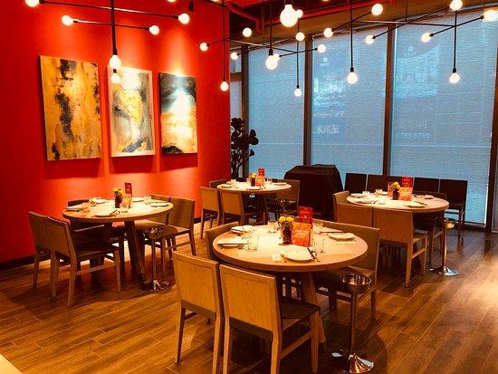 Thai Town Cuisine - Suzhou Center: 瓦城苏州中心店 环境
