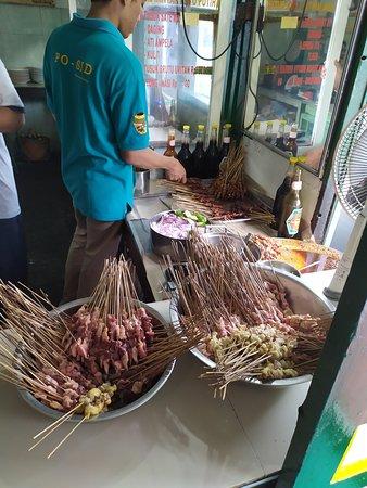 Sate Ayam Podomoro: Brochettes