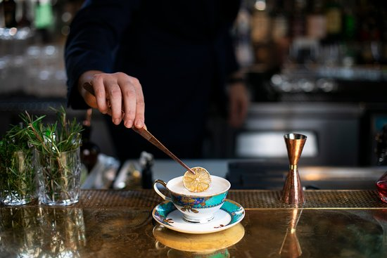 Madame Fu-Grand Cafe Chinois: Drunken Tea Master