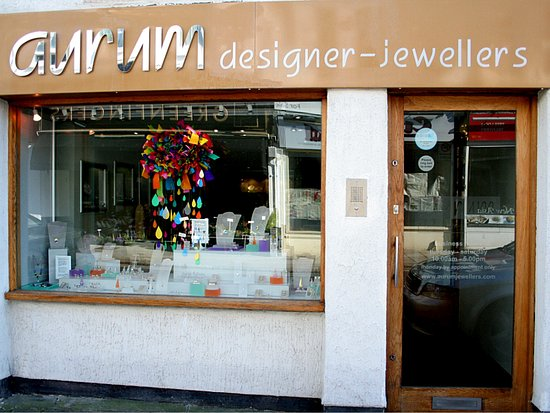 Worthing, UK: The shopfront of Aurum designer-jewellers.