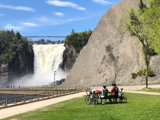Parc de la Chute-Montmorency: One could enjoy the Falls from afar in relative comfort too .