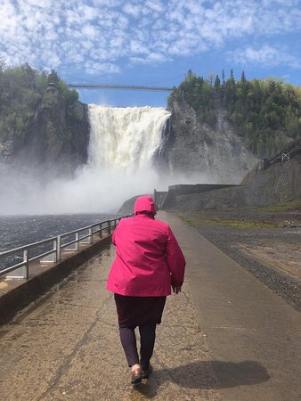 Parc de la Chute-Montmorency: Nearer the Falls