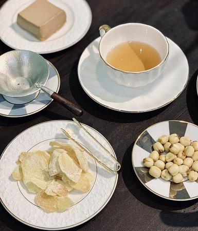 Thư thái cùng trà tại không gian đậm chất Việt xưa chắc chắn sẽ giúp Bạn lấy lại cân bằng giữa cuộc sống bộn bề này...Mình hẹn nhau tại Okinawa Boutique Houses