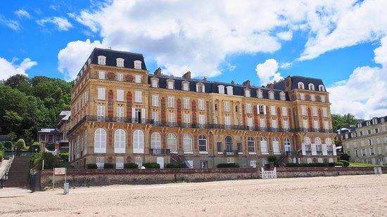 Plage de Trouville - Hotel des Roches Noires