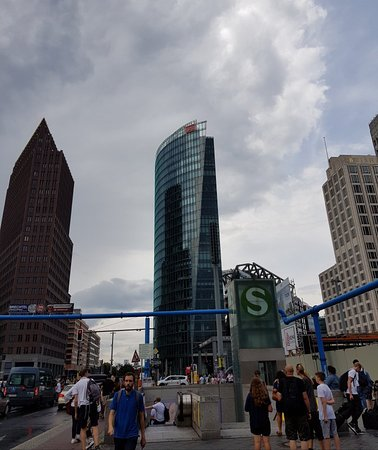 Bahn Tower Picture