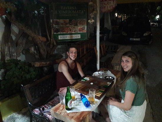 Amari, กรีซ: friends