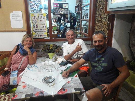 Amari, กรีซ: friends taverna ta Ximeromata