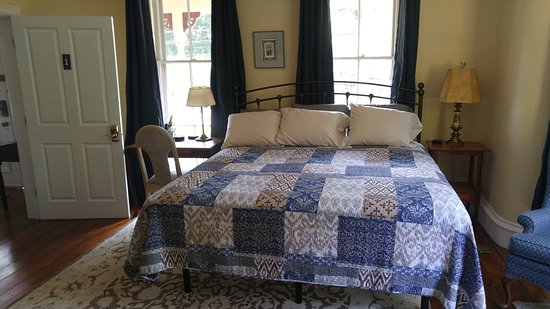 Room 1 -- king and twin beds, ADA accessible.