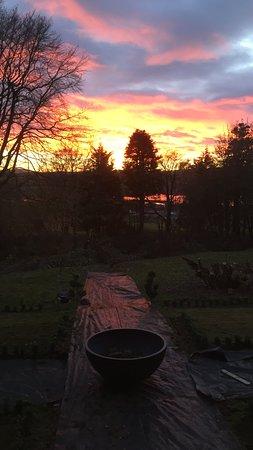 Crossmichael, UK: Glorious sunset over loch ken 
