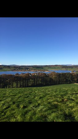 Crossmichael, UK: Stunning view over the loch from sunset hill