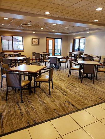 Pictures of Wingate by Wyndham Coon Rapids - Coon Rapids Photos