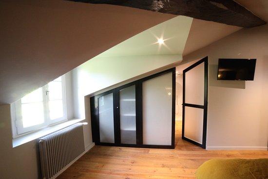 Castets, Francja: chambre double Abbesse vue entrée salle de bain