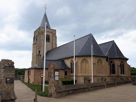 Onze-Lieve-Vrouw-ter-Duinenkerk: Entrée côté est