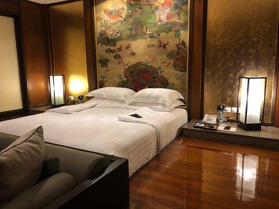 房間雙人床