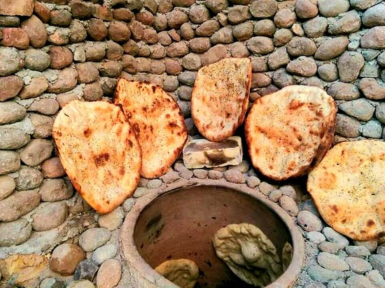 Enjoy the smell of home-made bread in Saraye Jahangard Ecolodge.
