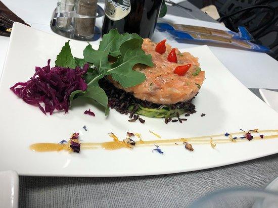 Ristorante Pizzeria Dai Monelli: tartare di salmone