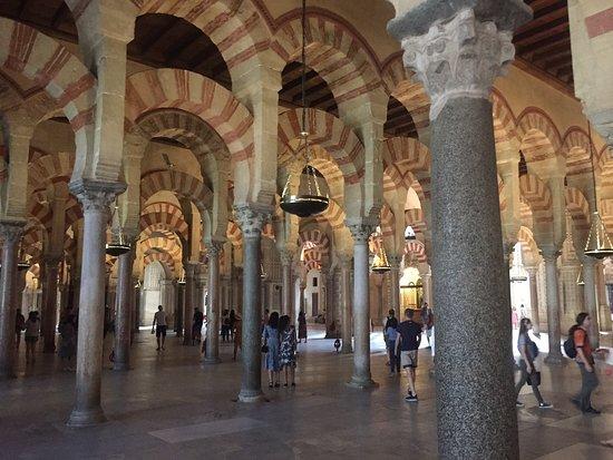 대성당과 모스크 사진
