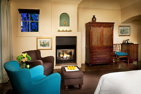Superior King Sitting Area with Fireplace