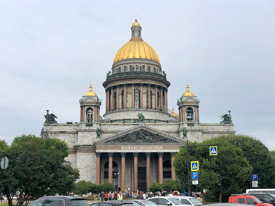 1 day St-Petersburg Private Luxury Shore Excursion: Saint Isaac Cathedral. Peter wanted to express more an architectural style of the West, hence no onion domes.