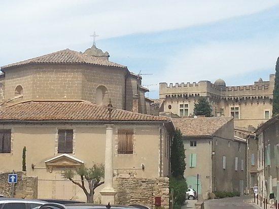 Montaren-et-Saint-Mediers照片