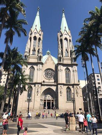 Catedral da Se de Sao Paulo: Lugar de Paz e Oração 🙏🏻